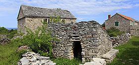 Kamenné domy na Hvaru