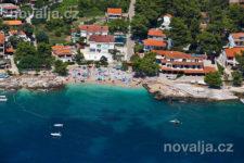Pláž v letovisku Ivan Dolac