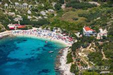 Pláž, město Hvar