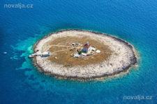 Hvar, ostrůvek s majákem, Pokonji Dol, ostrov Hvar