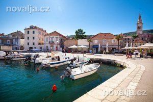 Jelsa, ostrov Hvar, Chorvatsko